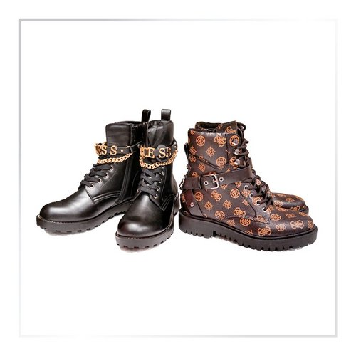 Koliko parov škornjev imaš v omari? 😄  . . . #supernova #supernovaslovenija #jesenskamoda #boots #škornji #fallfashion